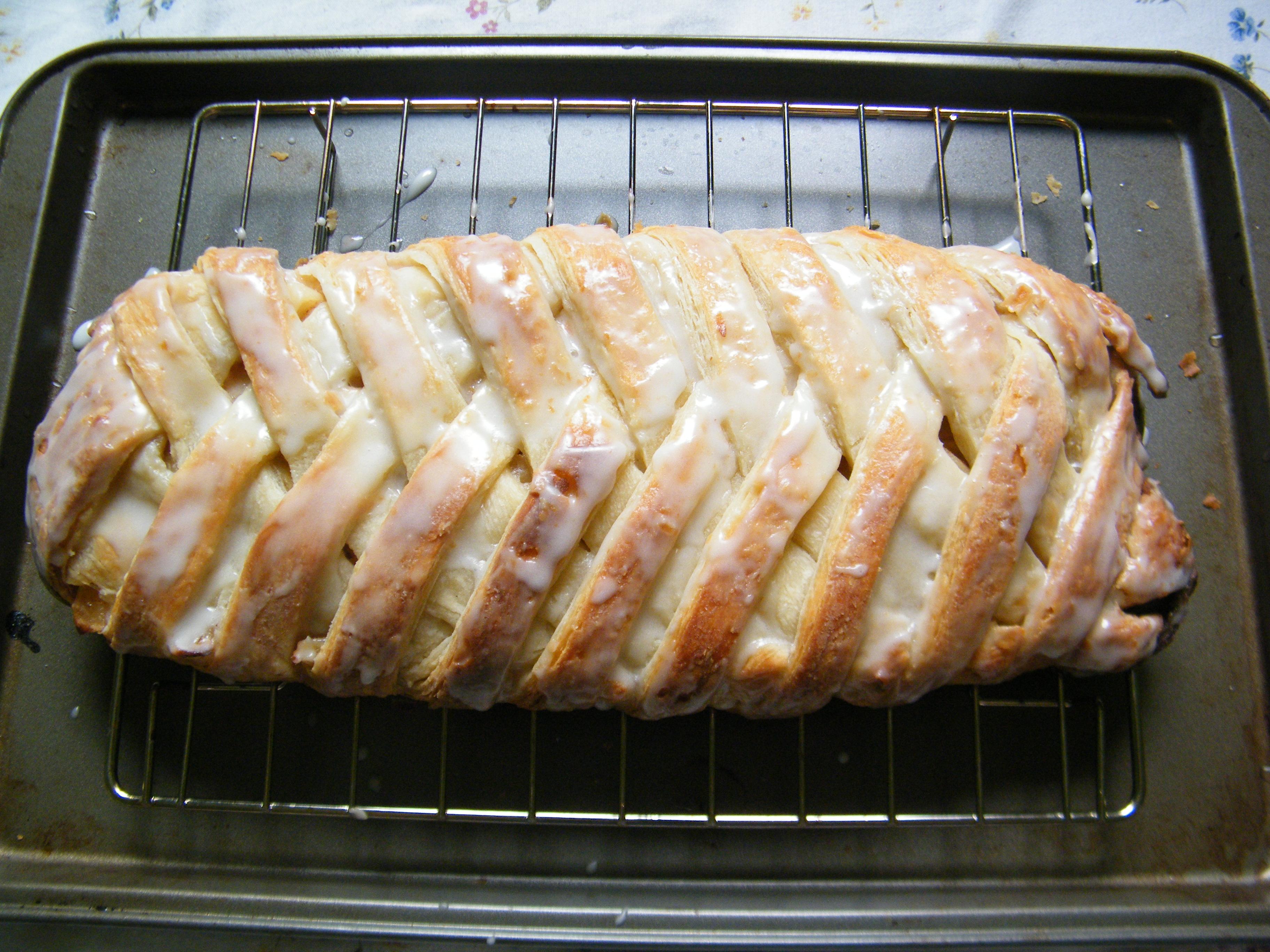 Spiced Apple Cream Cheese Danish Braid | The Little Spork